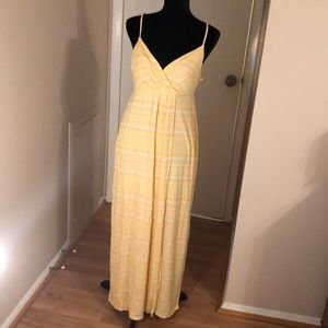 Cute yellow maxi sundress.